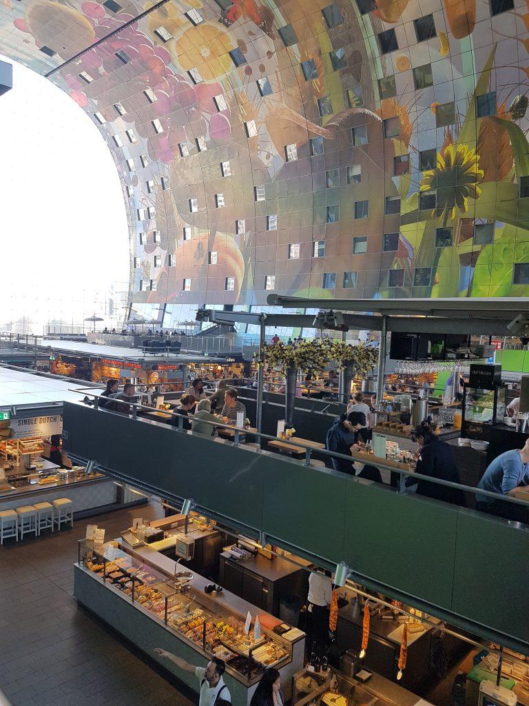 ロッテルダムのマルクトホールの内部