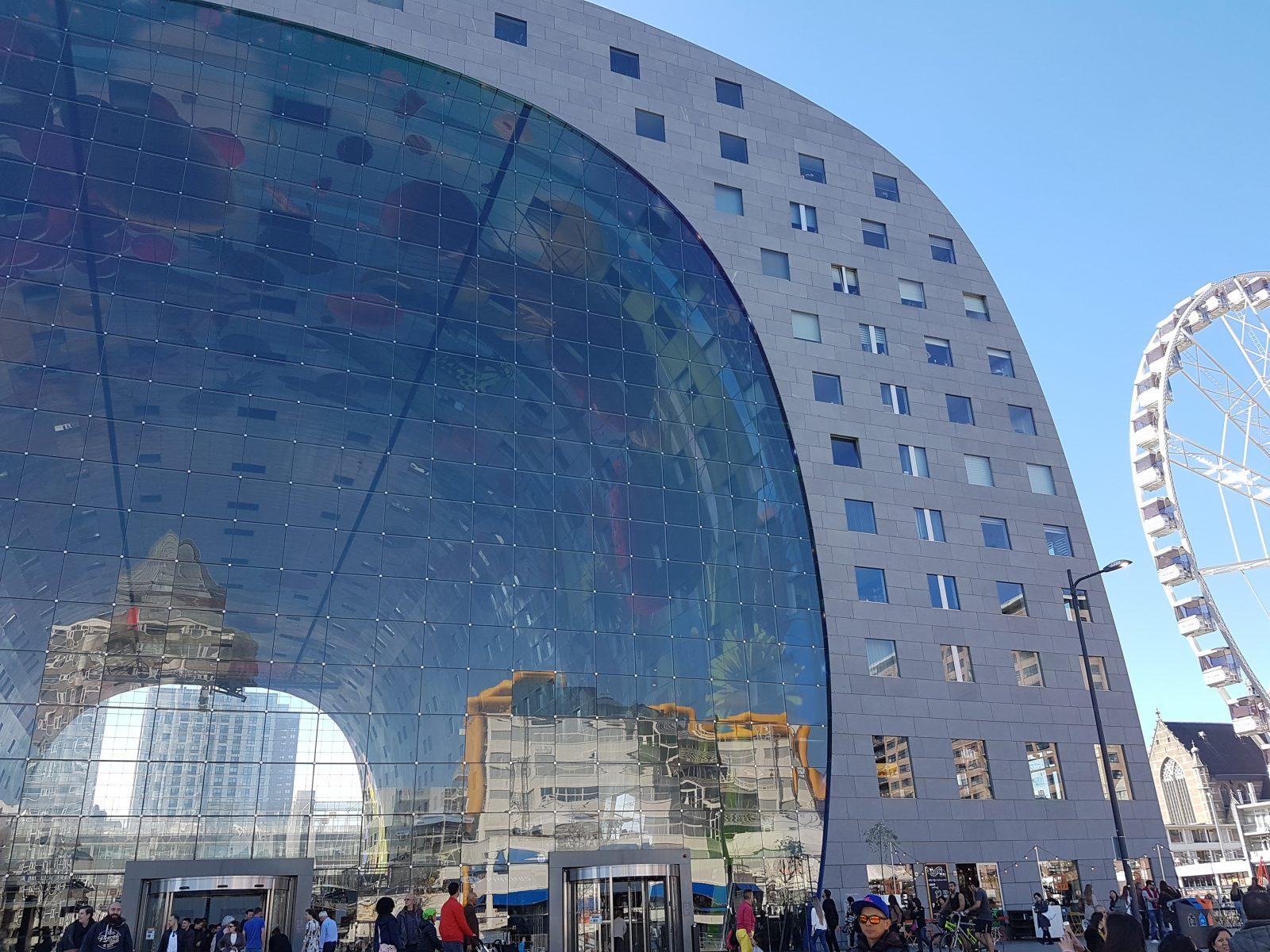 ロッテルダムのマルクトホールの外観
