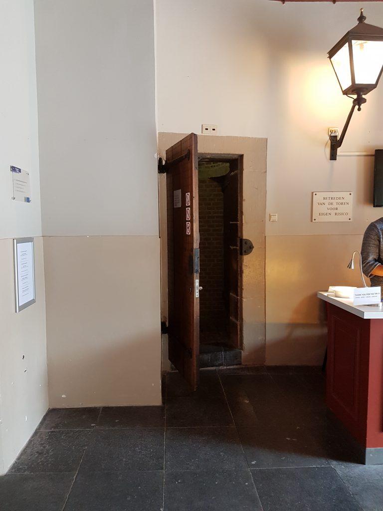 アムステルダムの西協会の入り口