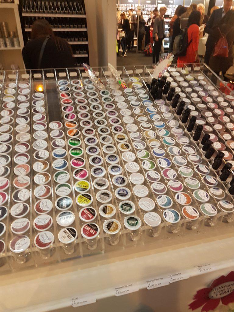 オランダの美容イベントで売っているネイルジェル