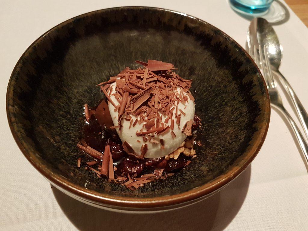 アムステルダムのレストラン デカスのデザート チョコレートソルベ