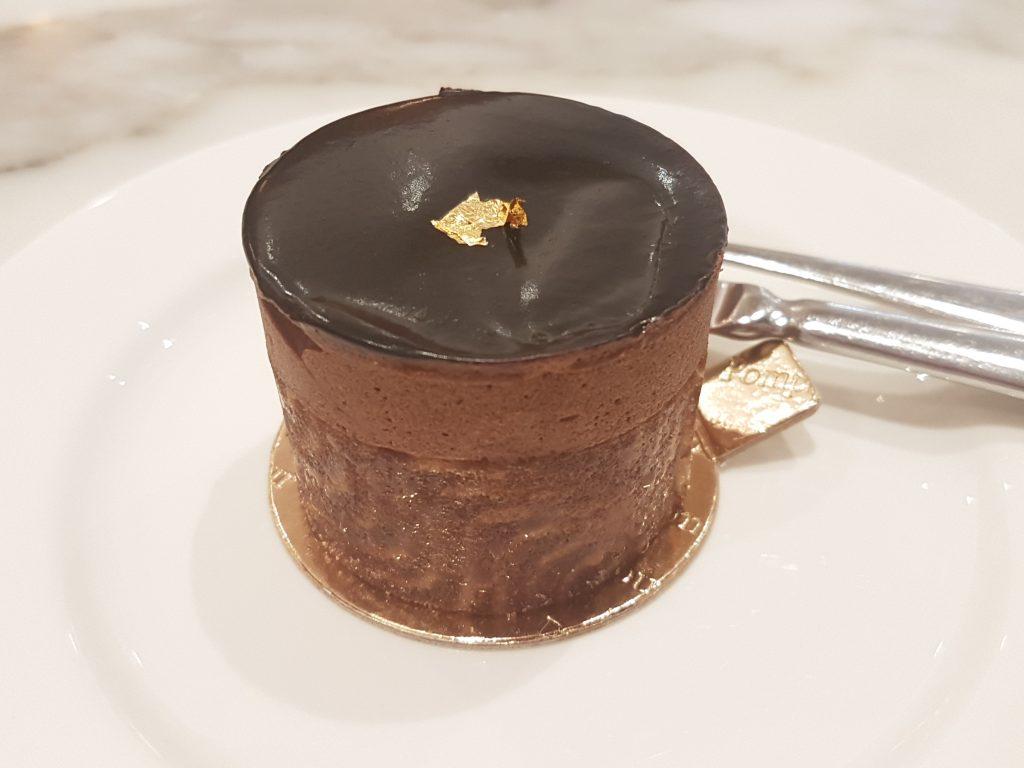 ショコラトリポンパドールのチョコレートケーキ