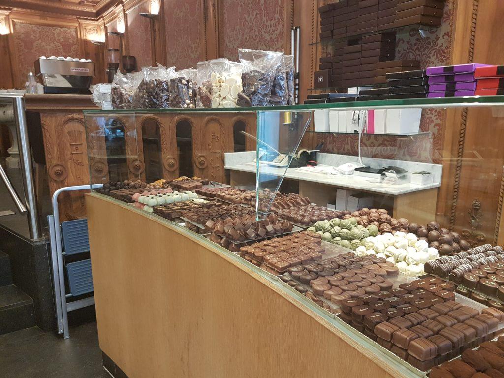 ショコラトリーポンパドールのチョコレートボンボン