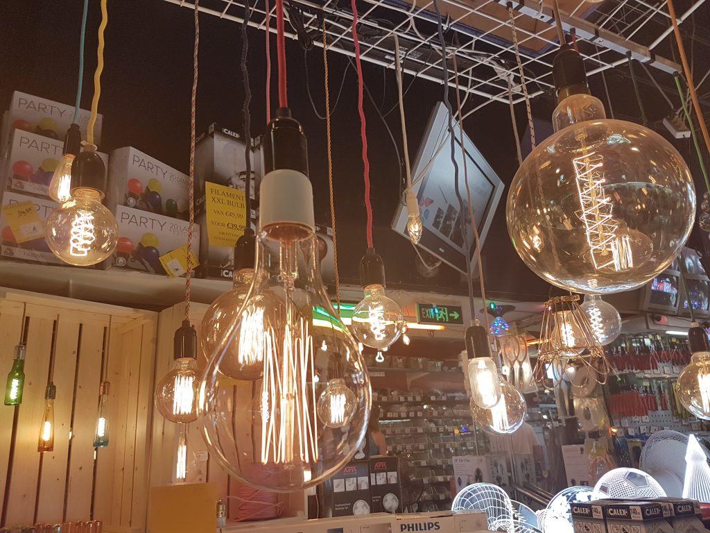 アムステルダムで電球