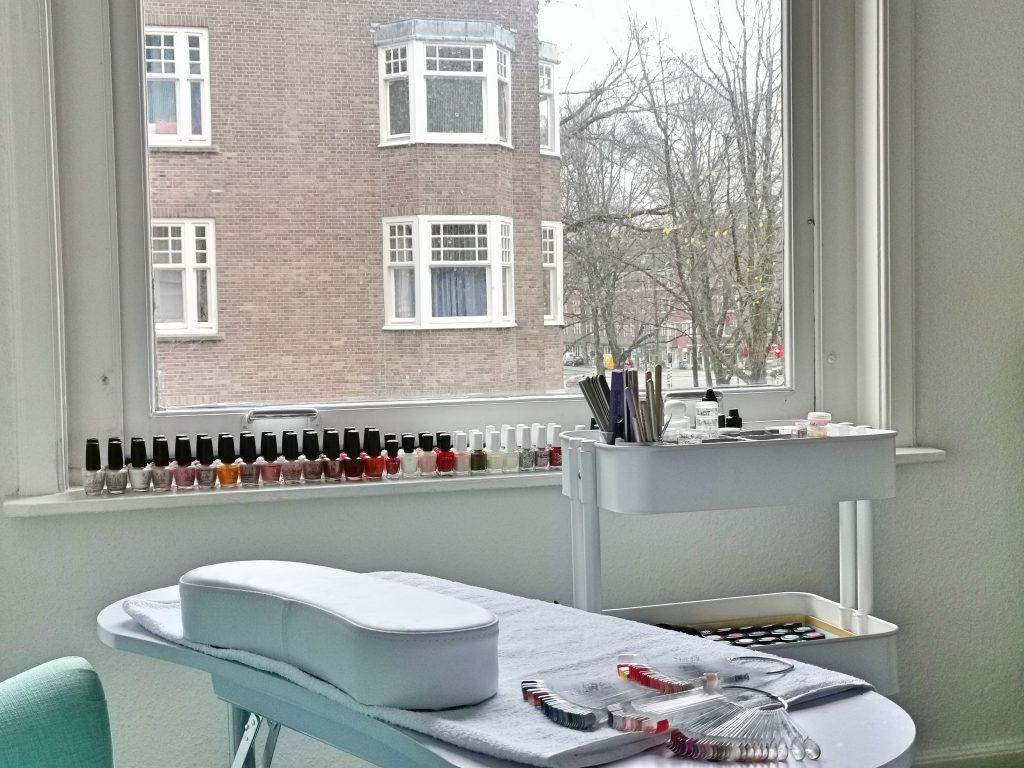 アムステルダムのネイル&マツエクサロン
