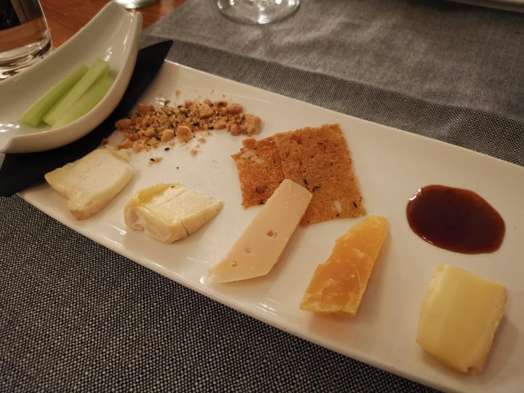 アムステルダムのミシュラン1つ星レストランのチーズ