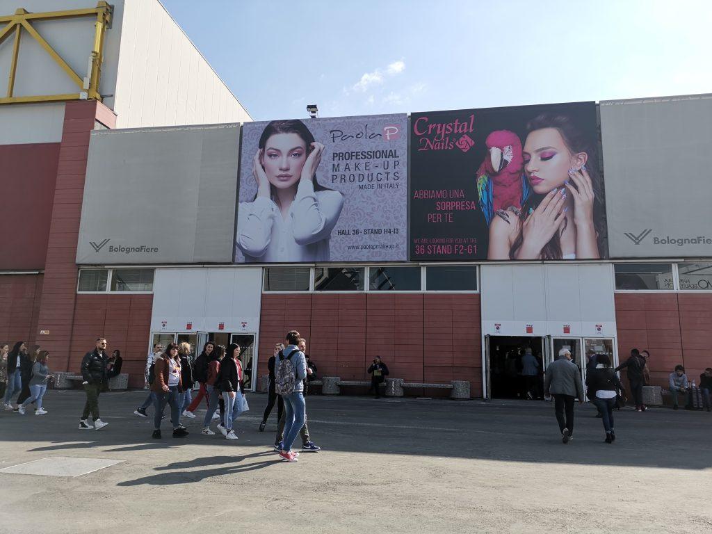 ボローニャの美容イベント ネイルブース