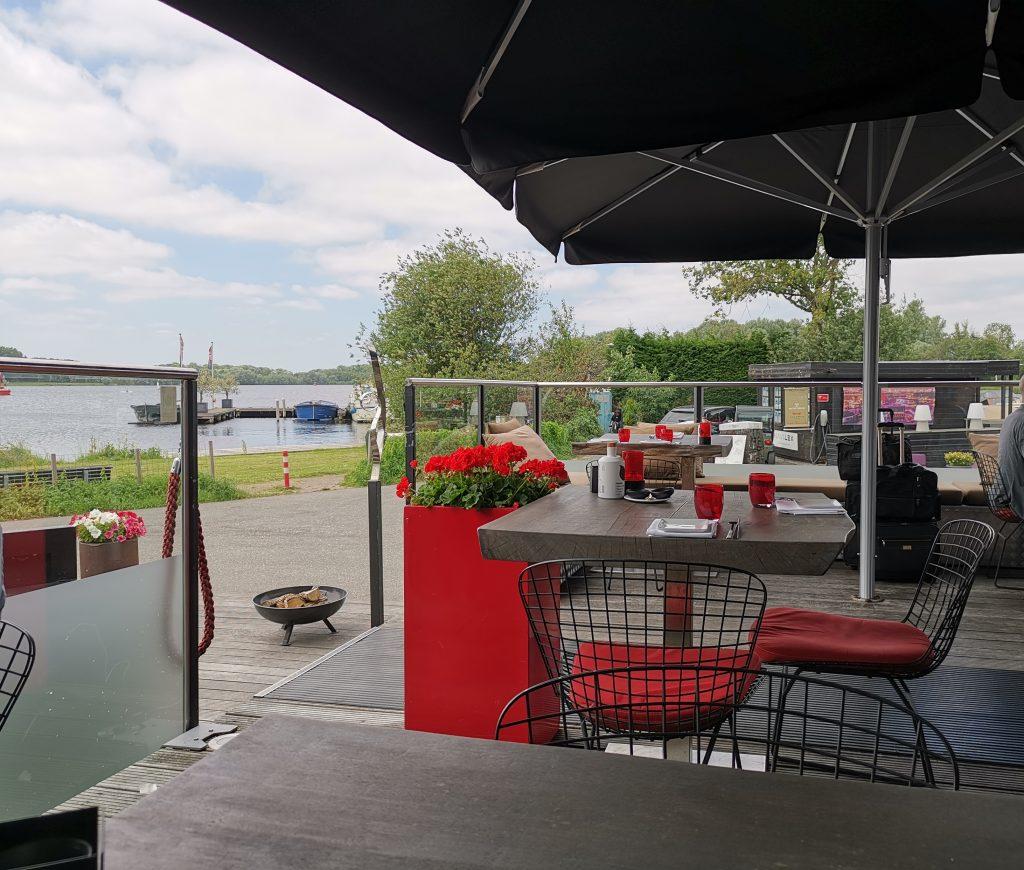 アムステルダムのウォーターフロントレストラン