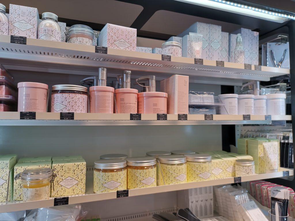 パリの美容卸問屋 美容商材