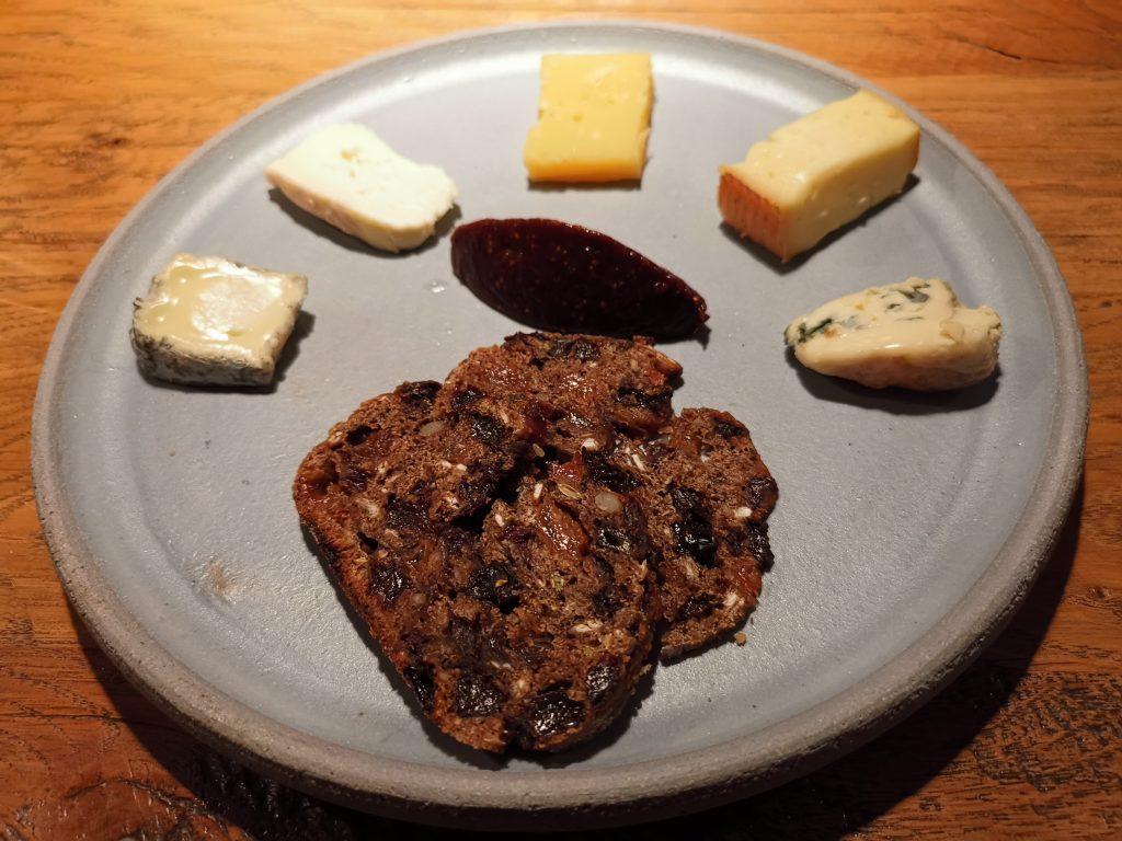 アムステルダムのミシュラン一つ星レストランのチーズ