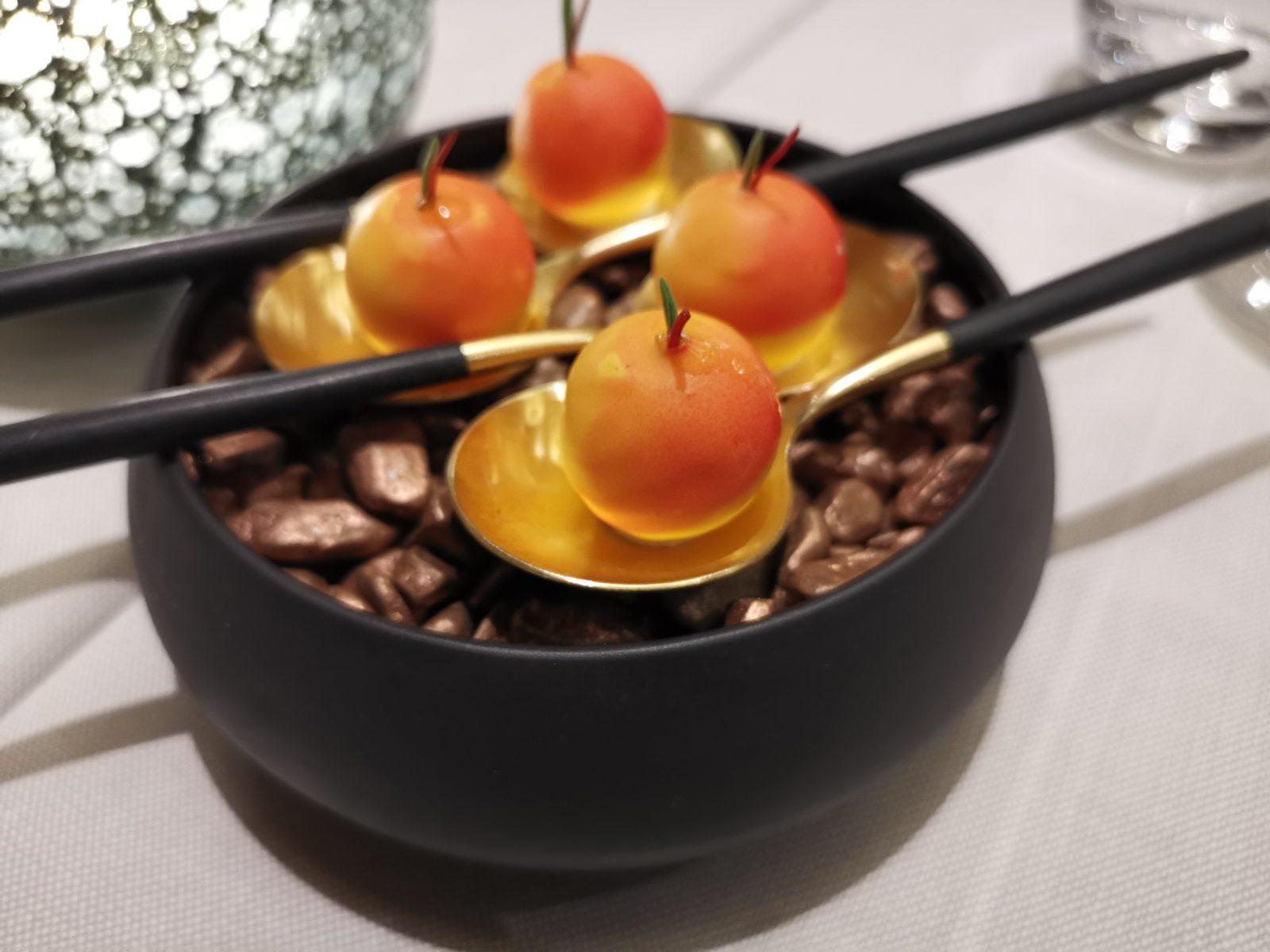 アムステルダムのミシュランプレートレストランSensesアミューズのチョコ
