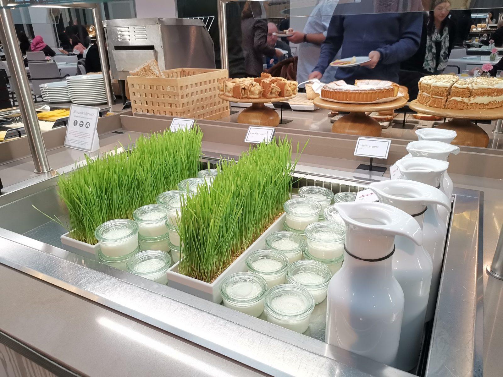 NH コレクション アムステルダム グランド ホテル クラスナポルスキーの朝食(牛乳)