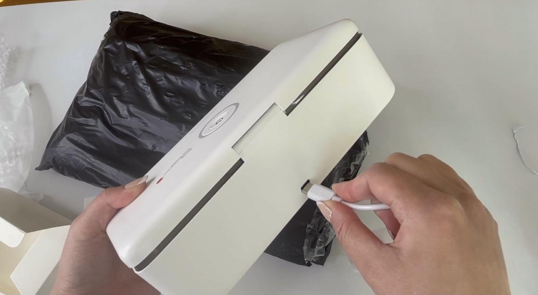 ネイル用UVステリライザーにアダプタ接続